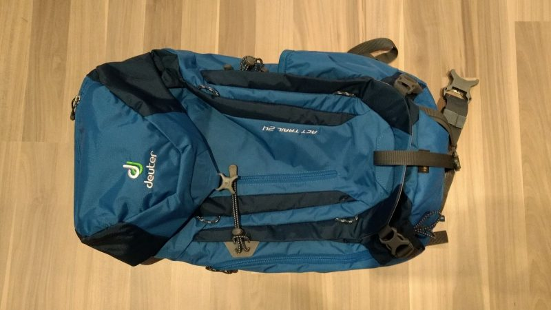 Rucksack Deuter ACT Trail 24, mit integrierter Regenhülle