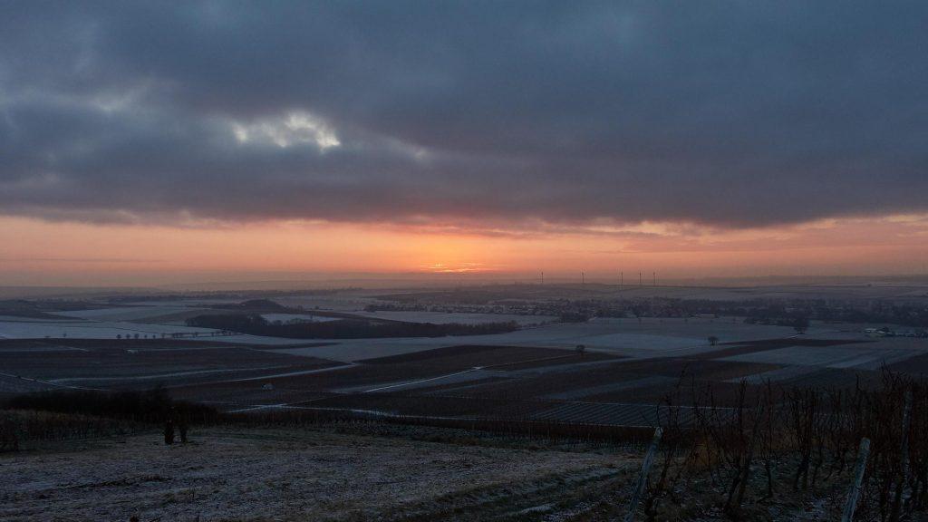 Kurz vor dem Sonnenaufgang überm Selztal