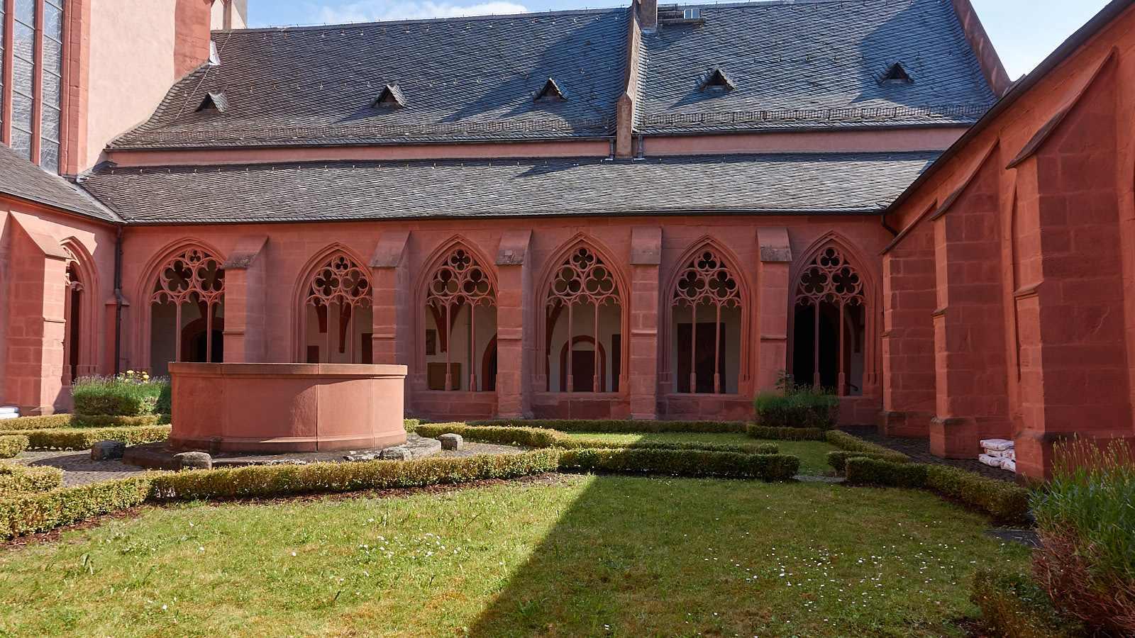 Stephanskirche Mainz (Sankt Stephan) und ihr Kreuzgang