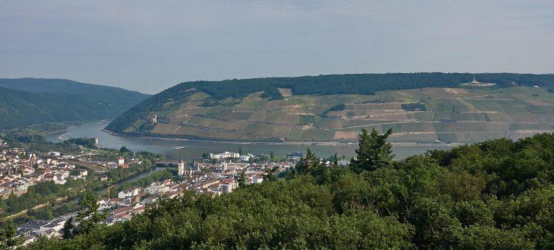 Kaiser-Friedrich-Turm: Blick auf Bingen, Nahe, Rhein, Mäuseturm, Burg Ehrenfels und Germania