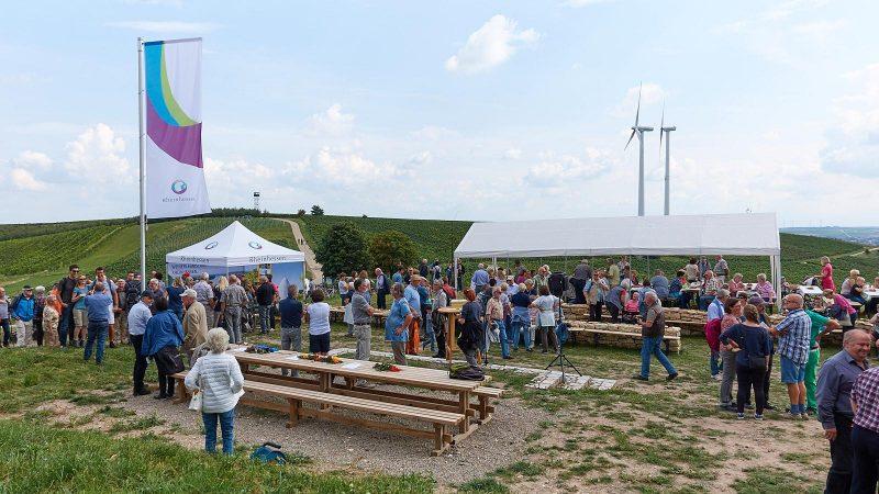 Feierliche Eröffnung am Tisch des Weines vor Zornheim