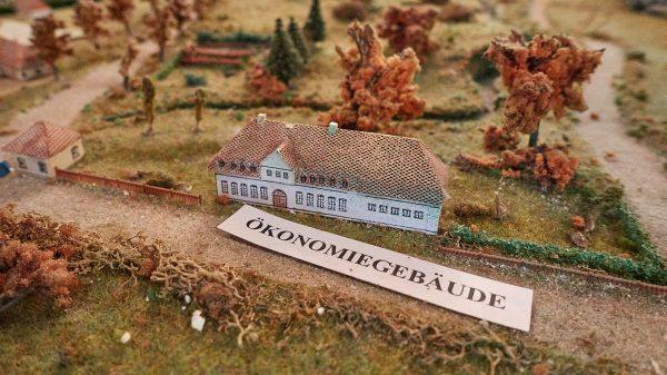 Karlsberger Hof: Früher Ökonomiegebäude vom Schloss Karlsberg