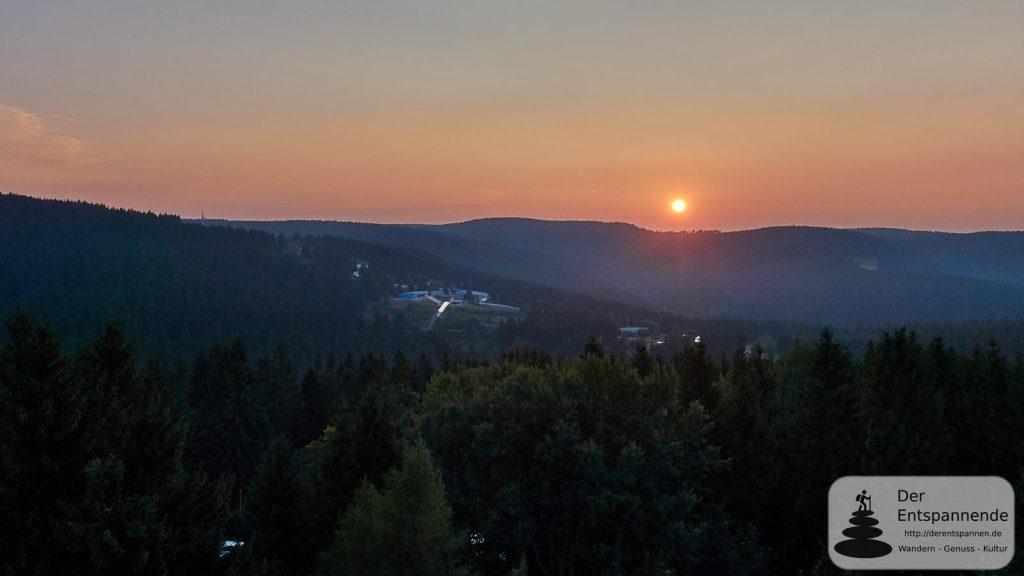 Sonnenuntergang über den Sportstätten von Oberhof