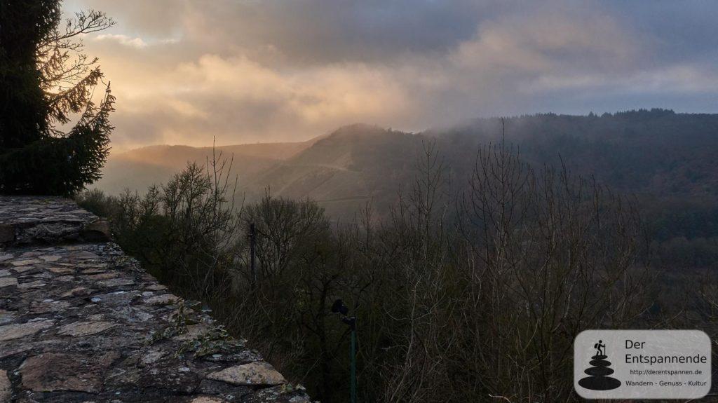 Wolken über dem Alsenztal (von der Altenbaumburg aus)