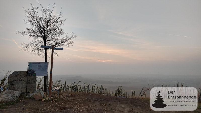 Die Selzstellung über dem Selztal bei Sonnenaufgang