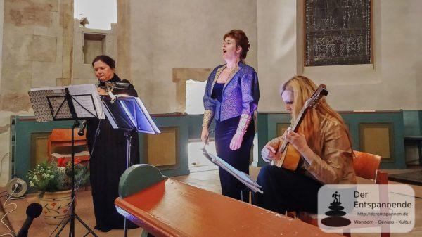 Romantisches zum Advent - Konzert des Klassikforums an der Selz in der ev. Kirche Selzen - Petra Fluhr (Oboe), Bodil Victoria Arnesen (Sopran), Heike Matthiesen (Gitarre)