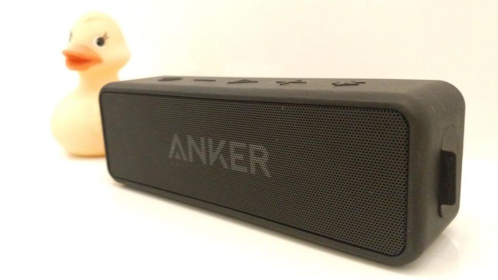 Bluetooth-Lautsprecher mit Ente im Badezimmer