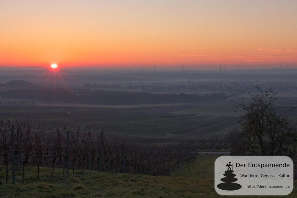 Sonnenaufgang über Selzen (Januar am Selzbogen)