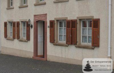 Zuckerberg 26 mit Portal der ehemaligen Schaffnerei (Kaiserpfalz Ingelheim)