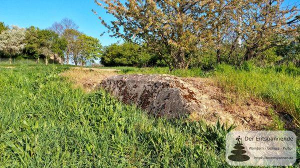 Auf der Muhl: Betonklotz des alten Festungswerks bei Ebersheim
