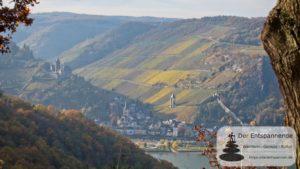 Blick auf Burg Stahleck, Bacharach und Postenturm