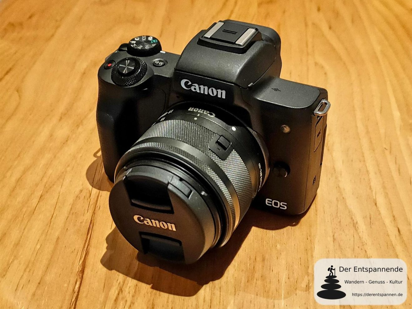 Canon EOS M50 mit Objektiv Canon 15-45mm IS STM